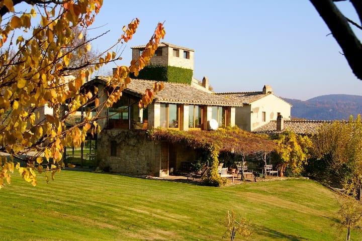 Loft in historischem Borgo mit privatem Badesee