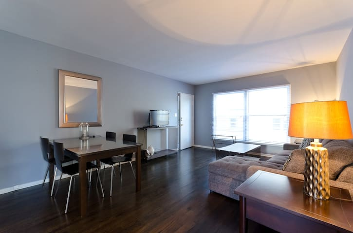 Central Location 2Bed W/D+Parking - Los Angeles - Apartment