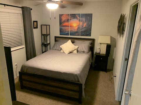 Private Bedroom & Bathroom - great location