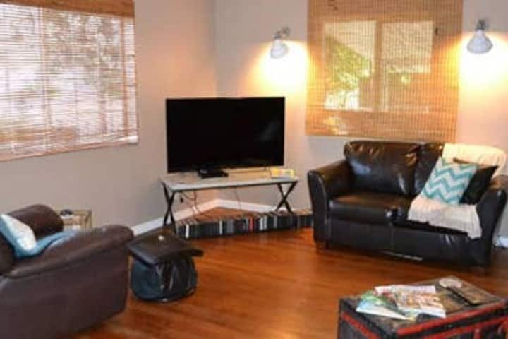 Entire house by Rt 66 in KGMN, 3bdrm,4Beds, Clean!