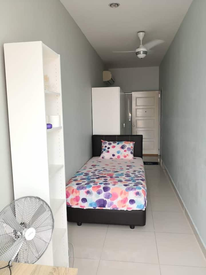 Cozy Affordable Single Room:Next to Sunway Pyramid