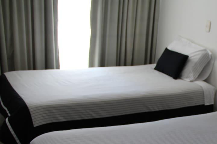 Habitación PRIVADA, HOTEL HONTIBON EN PAMPLONA