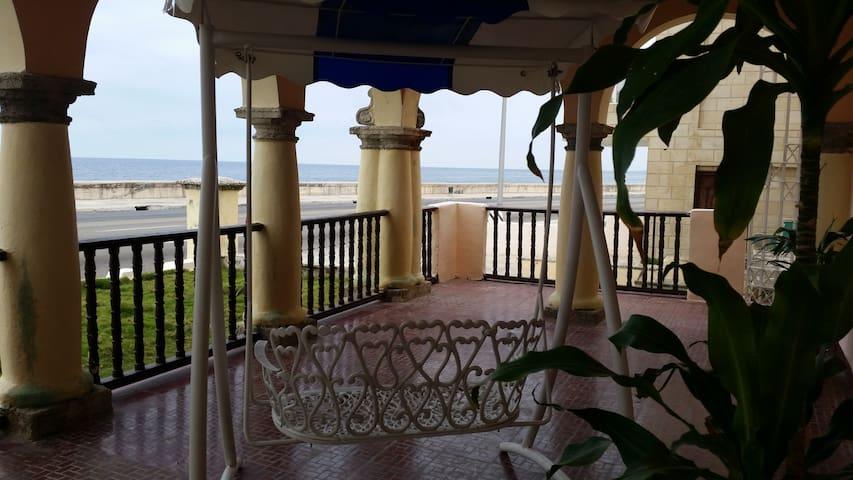 La vue sur la mer Castillito