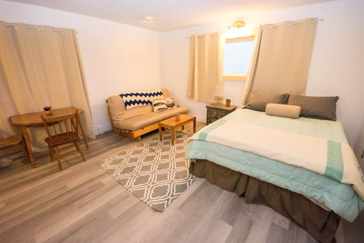 Beachside Studio Apartment - East Lawrencetown - Apartment