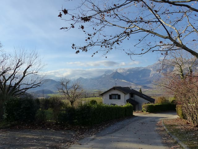 In the countryside near Grenoble. - Champagnier - House