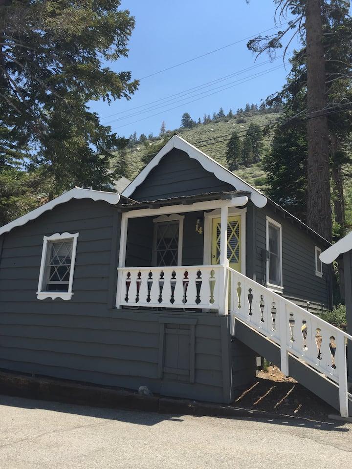 June Lake Pines Cabin 14