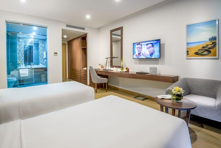 Premium with balcony - 4* hotel near My Khe Beach