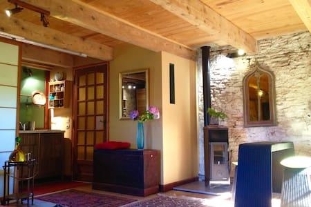 Gîte pour amoureux du vitrail Sud Aveyron - Saint-Affrique - Çatı Katı