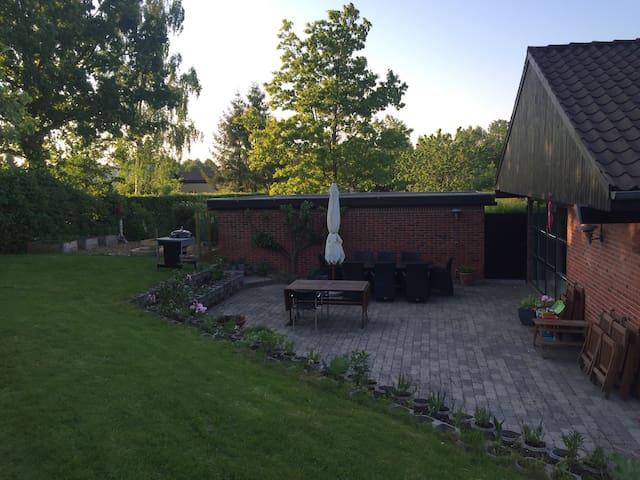 Familievenlig & hyggelig villa tæt på Århus C - Aarhus - House