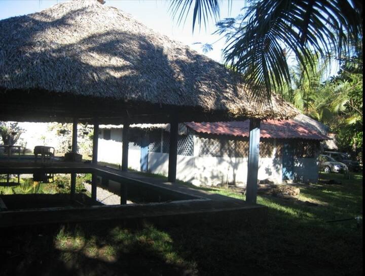 Rancho familiar en Monterrico