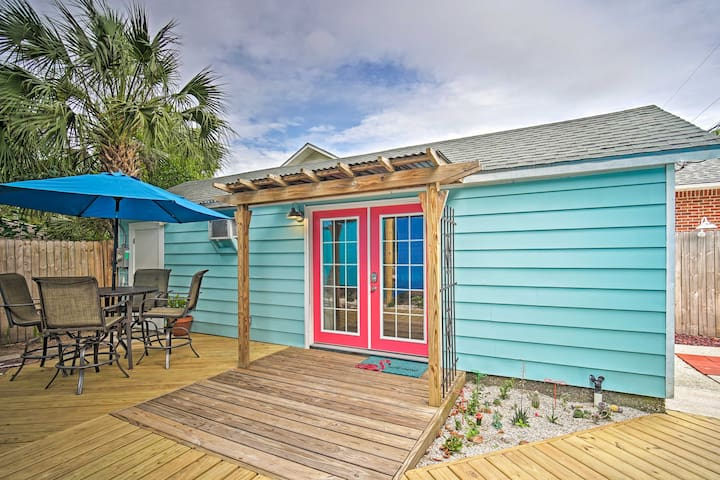 NEW! Blue Bungalow with Patio - 3 Miles to Beaches