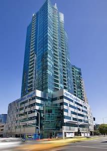 Modern apartments@Crown&Southbank