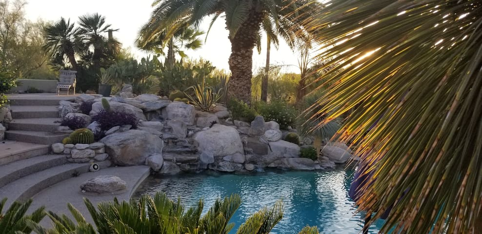 Your Private 5 Acre Desert Oasis Awaits!!!