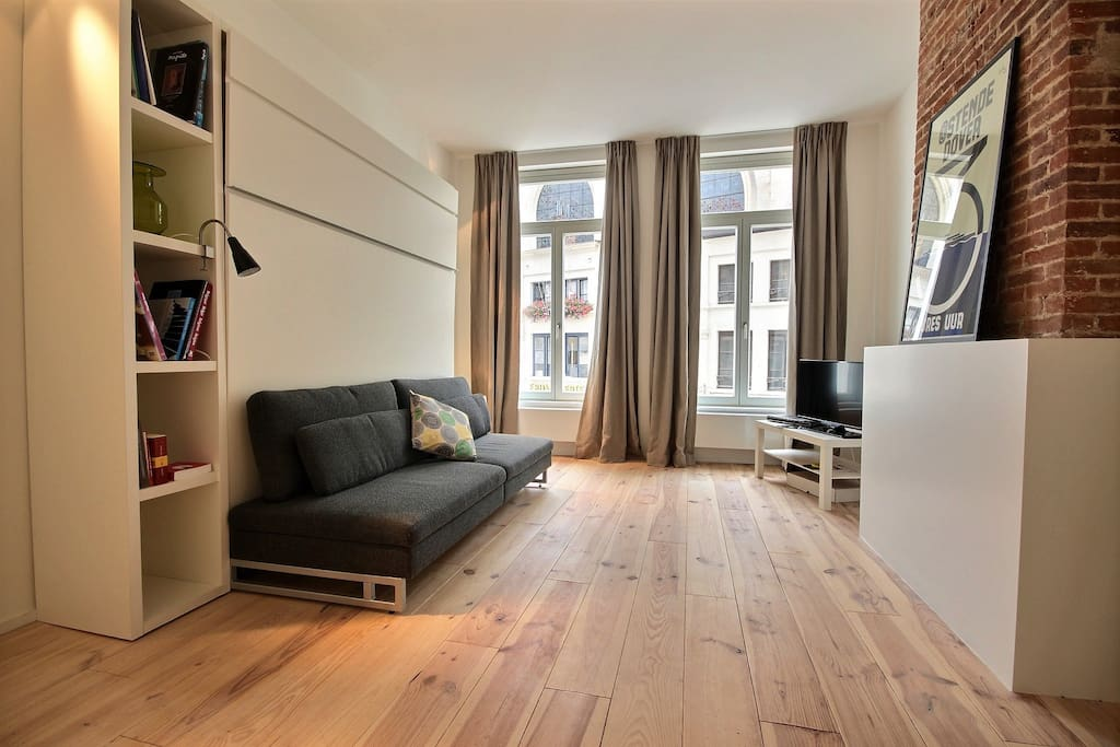 studio caramel near grand place appartements louer bruxelles bruxelles belgique. Black Bedroom Furniture Sets. Home Design Ideas