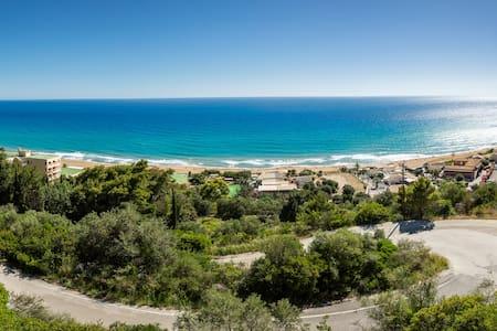 SeaView Apartment, Glyfada, Menigos  resort, Corfu