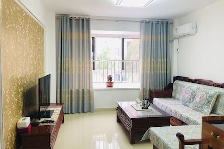 黄河口旅游度假小镇(黄河佳苑)一楼温馨舒适三居套房