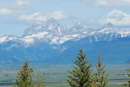 Teton Scenic Retreat