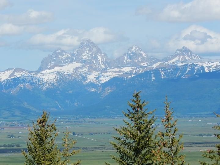 Teton Scenic Retreat