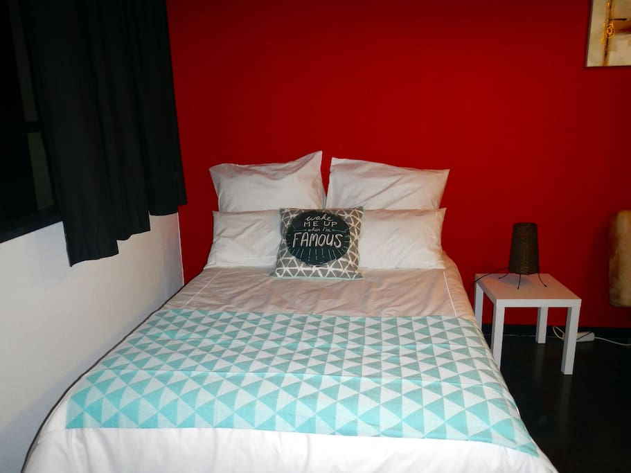 Cosy double bed with good quality linen.