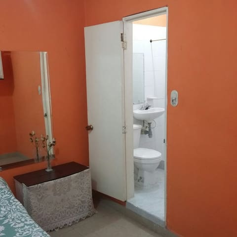 Rooms for Rent in Downtown Periera - Pereira - House