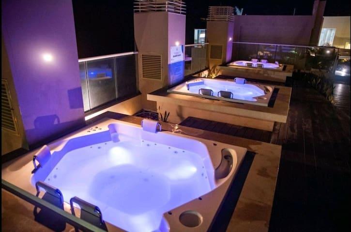Confortable habitación con vista directa a el mar