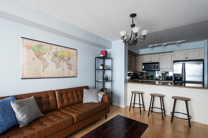 Private room/bathroom in Toronto's downtown core - Toronto - Apartemen
