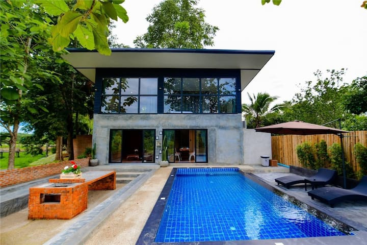 Brick Box Pool villa 4 BR