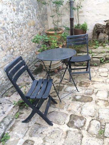 Au 109 Montigny - Montigny sur loing  - Řadový dům