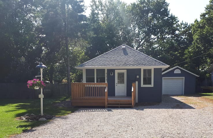 Beach cottage in Colchester for rent