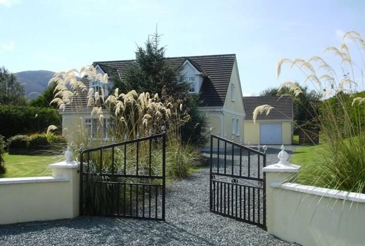 Slievnamon House Coolies Muckross Killarney, Ire