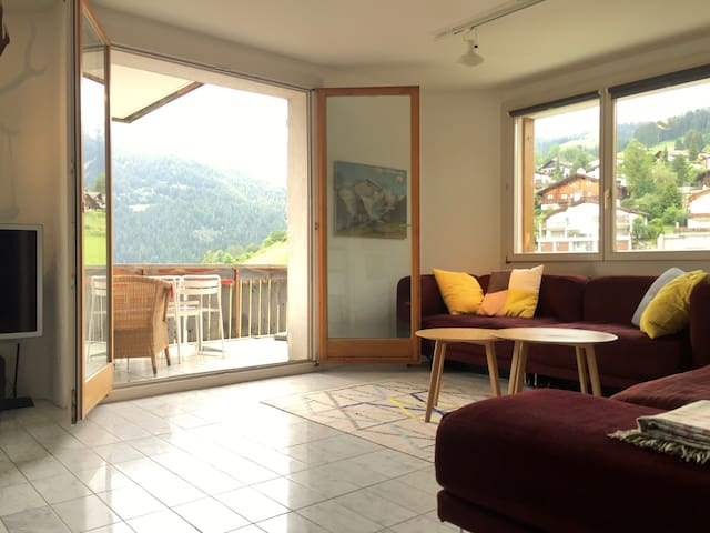 sunny flat in the Swiss Alps  - Falera - Appartement