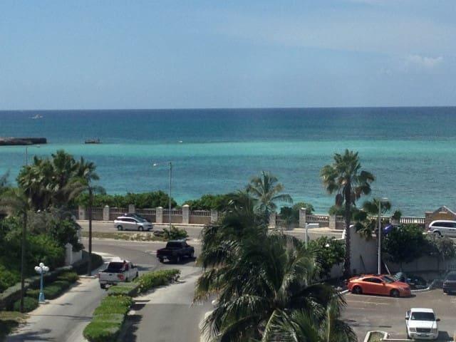 NASSAU • LUXURY STUDIO • CABLE BEACH • FREE WiFi - Nassau - Lägenhet