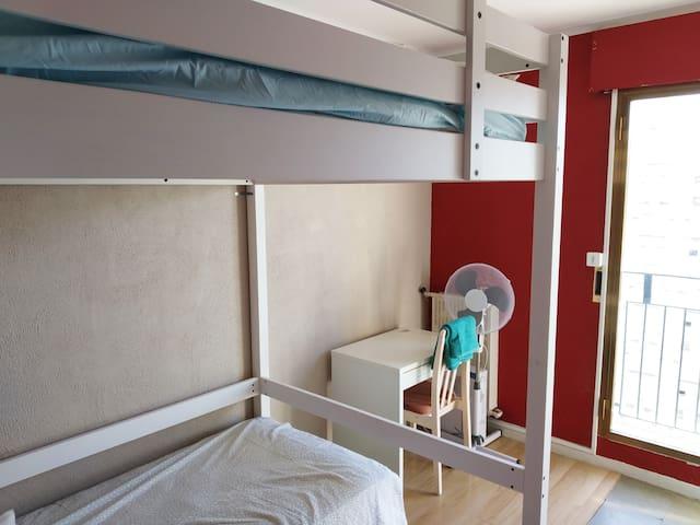 1 chambre dans un appartement partagé rov1
