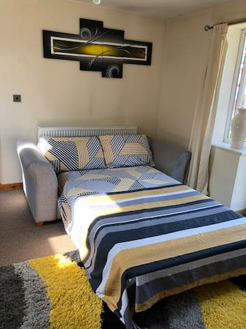 Stylish granny suite near town centre,with parking