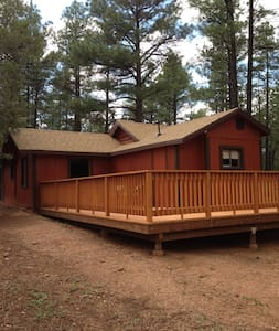 Wild Saddle Ranch Cabin Getaway - Show Low - Cabanya