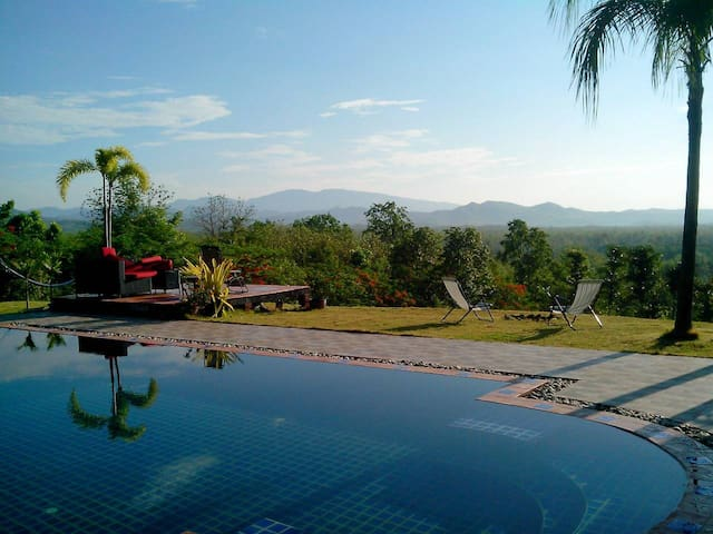 Five Star Suite, with pool and an amazing view !!! - Don Pao - Guesthouse