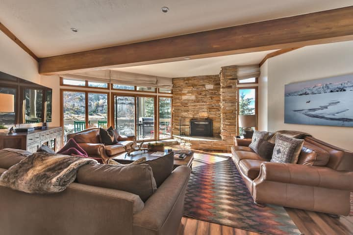 Deer Valley Powder Run-Family Mountain Condo -Moments to Slopes, Shuttle