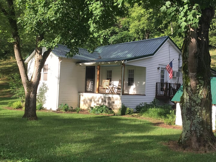 Gibbs Farm Cottage; Kids and Pets Welcome