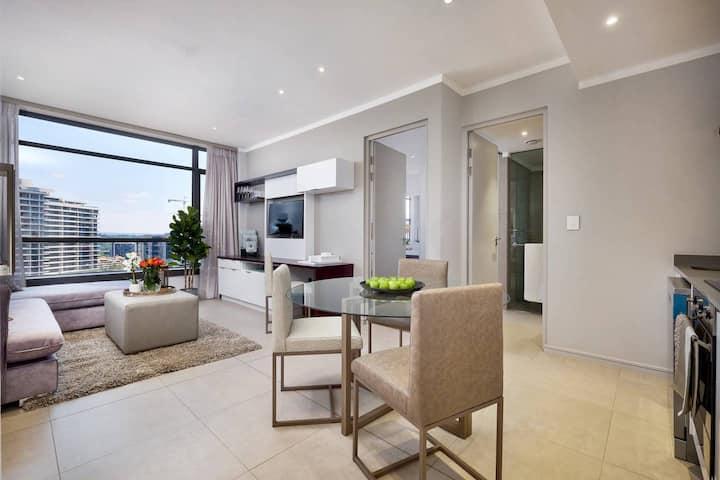 Masingita Luxury 2 Bedroom, pool, gym, fast WIFI!