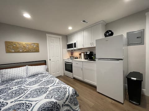 Brand New Guest Suite + Full Kitchen + Parking