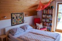 """Zimmer """"A"""" (von 3 Zimmern)-Comfortable room/1 of 3"""