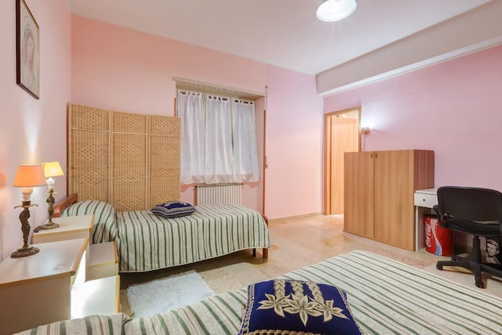 SLEEP AND GO B&B, casa vacanze - Ciampino - Casa