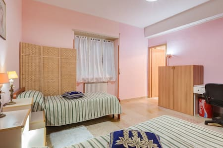 SLEEP AND GO B&B, casa vacanze - Ciampino