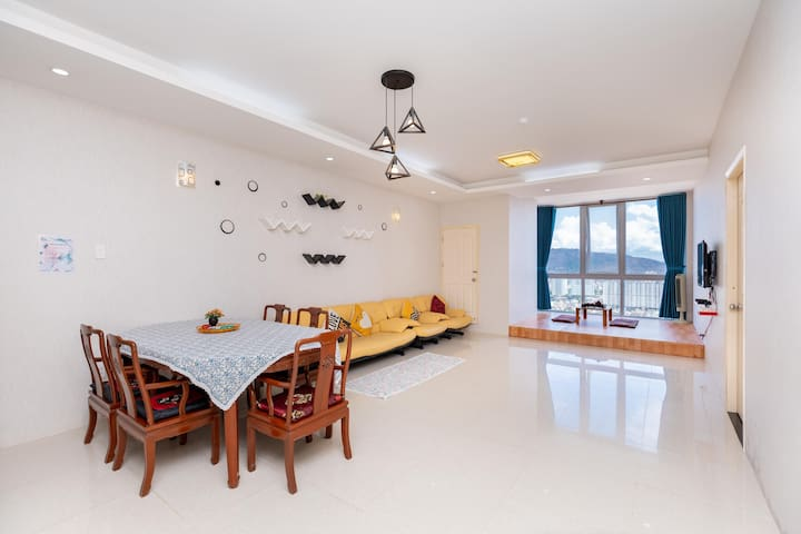 Sơn Thịnh 2,nice view,near beach,120m2,27 th floor