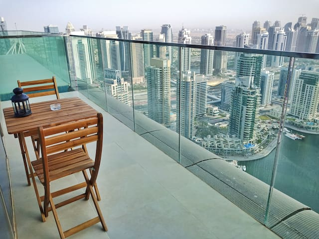 Magnificent 1BR Dubai Marina & Full Marina View
