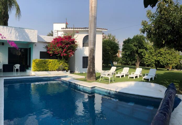 Linda casa de fin de semana  en Lomas de Cocoyoc