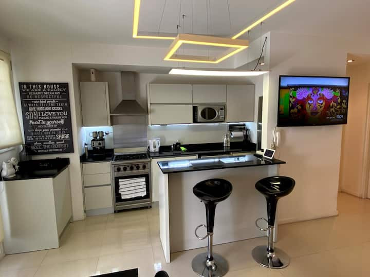 Modern and Cool Apartment in Abasto