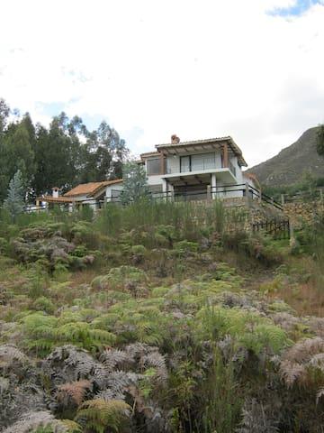 Casa y hermoso Paisaje - Cota - Casa