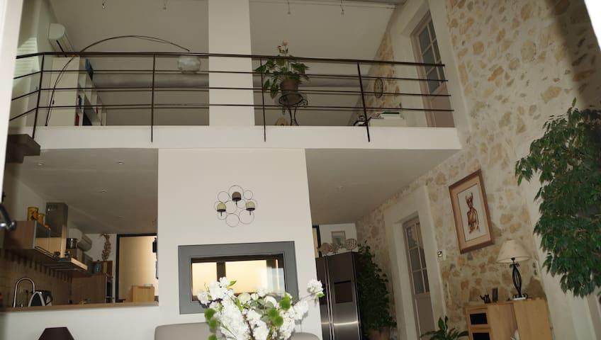 Deux chambres à l'étage de notre maison - Mallemort