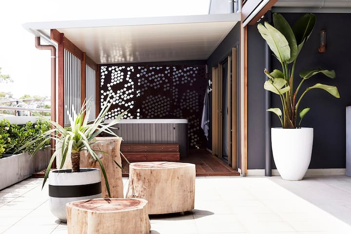 Byron Beach Apartment-  Rooftop Byron